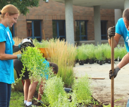 Volunteers cleaning the campus